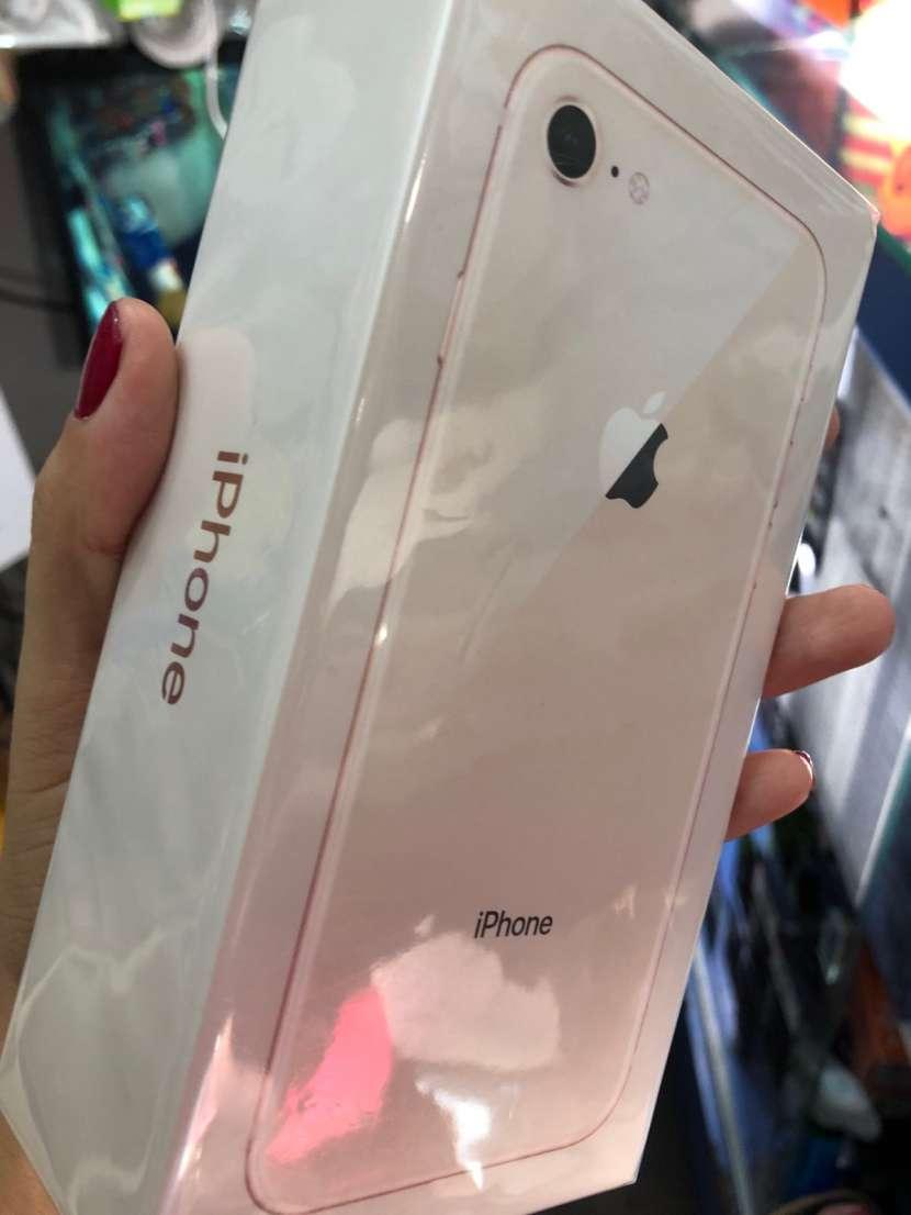 iPhone 8 de 256 gb nuevo en caja sellada - 0