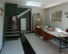 Propiedad para taller depósito y oficinas