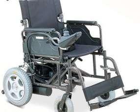 Silla de ruedas motorizada FS111A