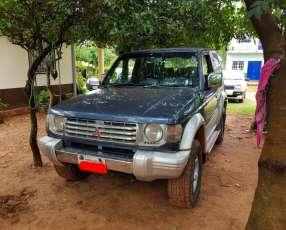 Mitsubishi Pajero 1991 motor 2.5 turbo diésel intercooler mecánico 4x4