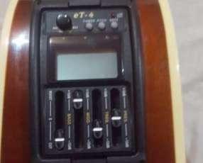 Guitarra electroacústica Sanabria