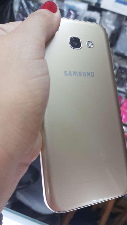 Samsung Galaxy A5 2017 usado impecable - 1
