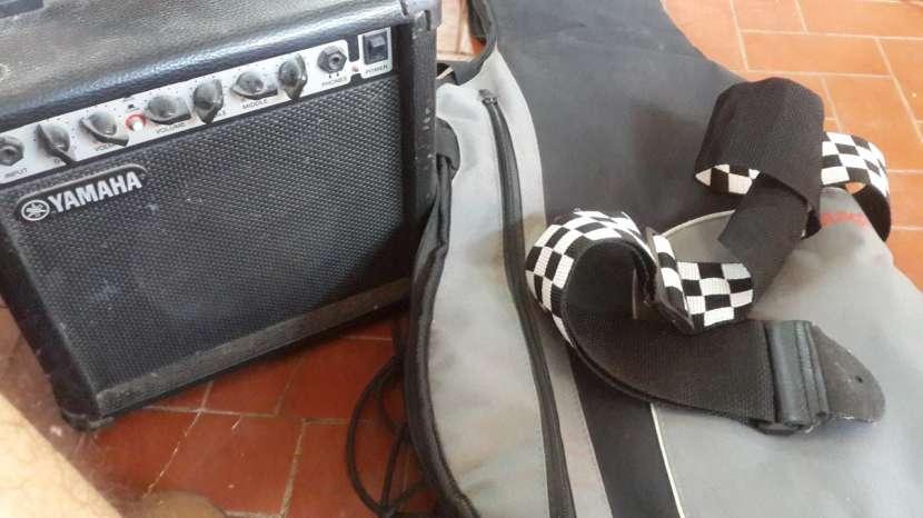 Epiphone SG y Amplificador - 0