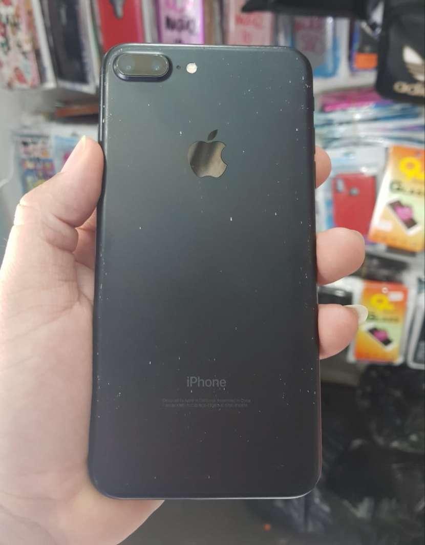 IPhone 7 plus de 128 gb impecable - 0