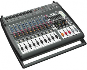 Consola amplificada Behringer Europower PMP 3000