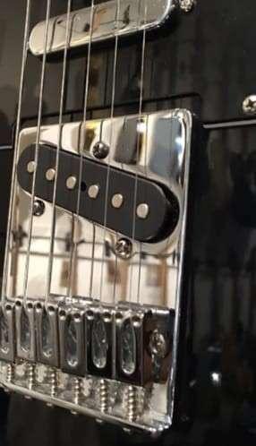 Guitarra eléctrica Fender Telecaster Deluxe y accesorios - 5
