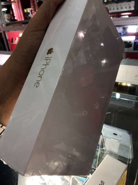 iPhone 6 Plus de 64 gb en caja sellada - 0