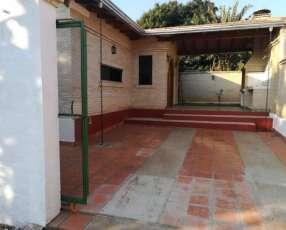 Casa de 3 dormitorios en Villa Elisa