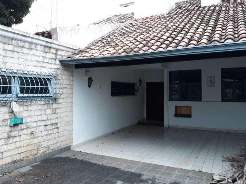 Casa Barrio Ycua Sati Asunción - 1