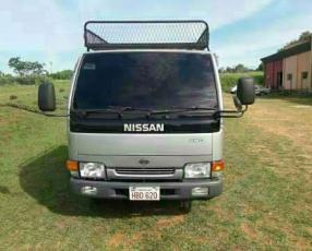 Nissan Atlas Doble Cabina