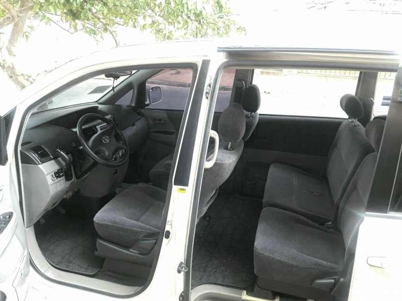 Toyota Noah 2001 - 7
