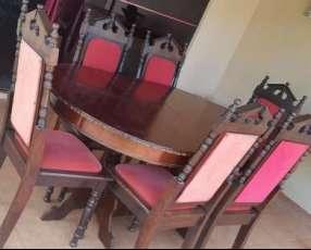 Mesa de madera con 6 sillas