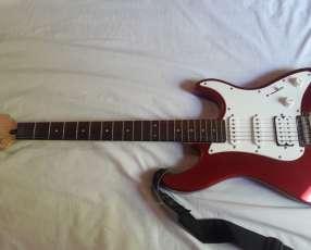 Guitarra eléctrica Yamaha Pacífica serie 012