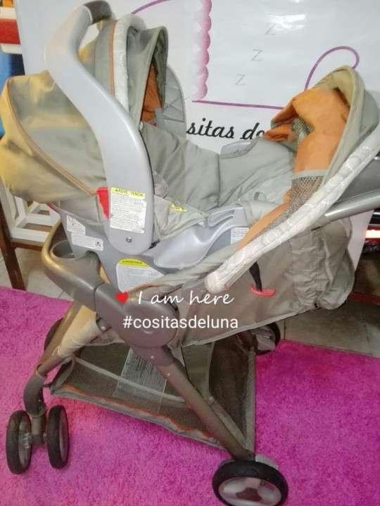 Carrito con asiento para bebé Graco - 0