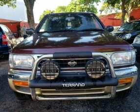 Nissan Terrano pr50 1996 motor 2.7 diésel mecánico 4x4