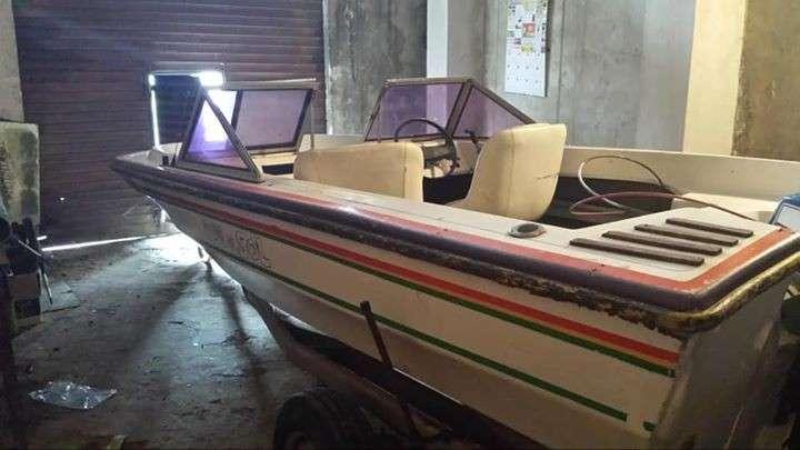 Lancha Itaipú motor 55 hp - 5