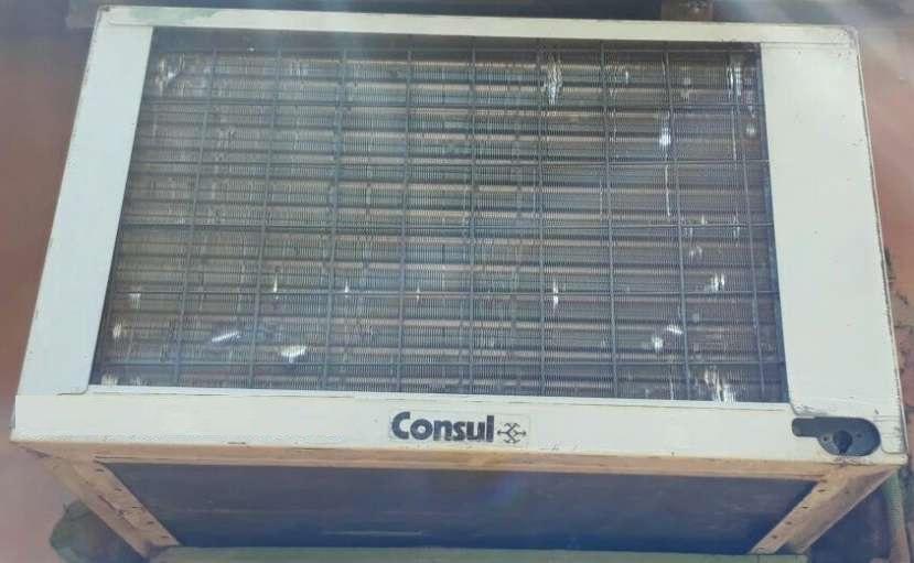 Aire acondicionado tipo ventana Cónsul de 12.000 btu