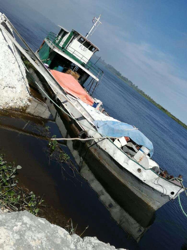 Buque motor con barcaza - 0