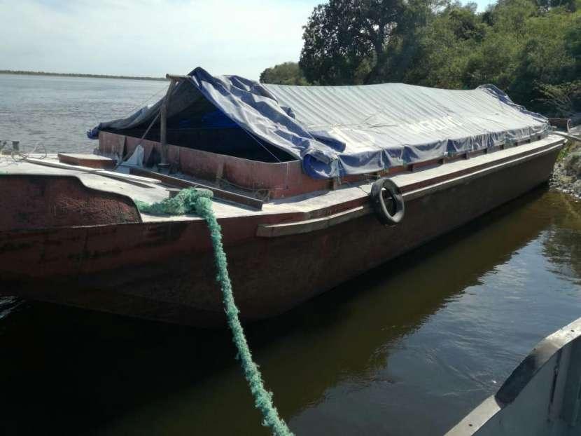 Buque motor con barcaza - 1