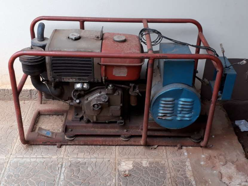 Grupo generador de 6 kva con motor diésel yanmar