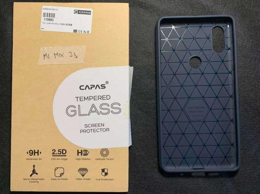 Case y protector de vidrio Xiaomi Mi Mix 2s - 1