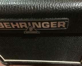 Amplificador Behringer vintager AC108 15w