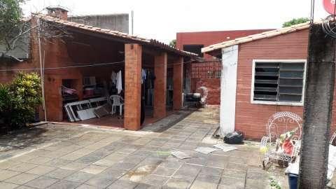 Casa de 8 habitaciones en Lambaré barrio San Isidro - 2