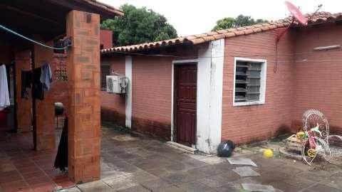 Casa de 8 habitaciones en Lambaré barrio San Isidro - 3