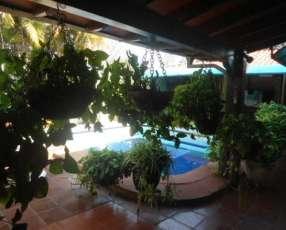 Casa a 150 metros de Av. Carlos A. Lopez Sajonia