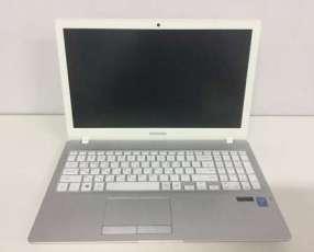 Samsung NT500RK Core i5/128 gb SSD
