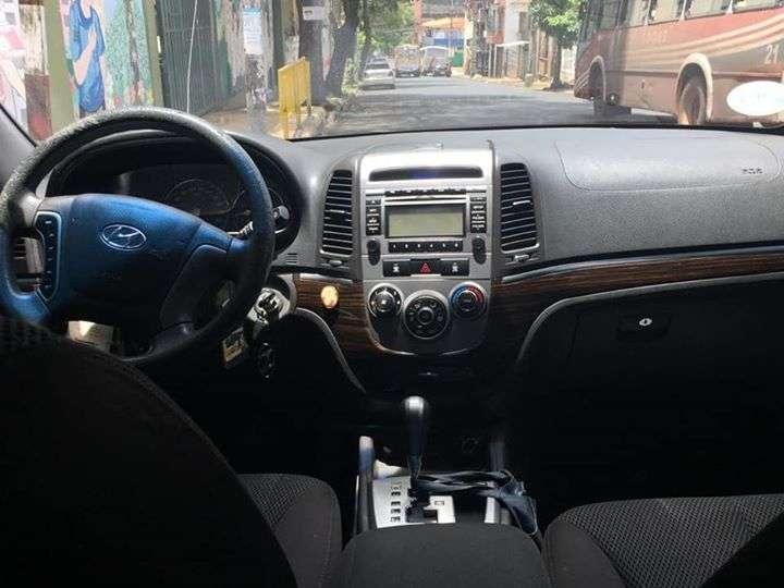 Hyundai Santa Fe 2011 de Automotor - 4