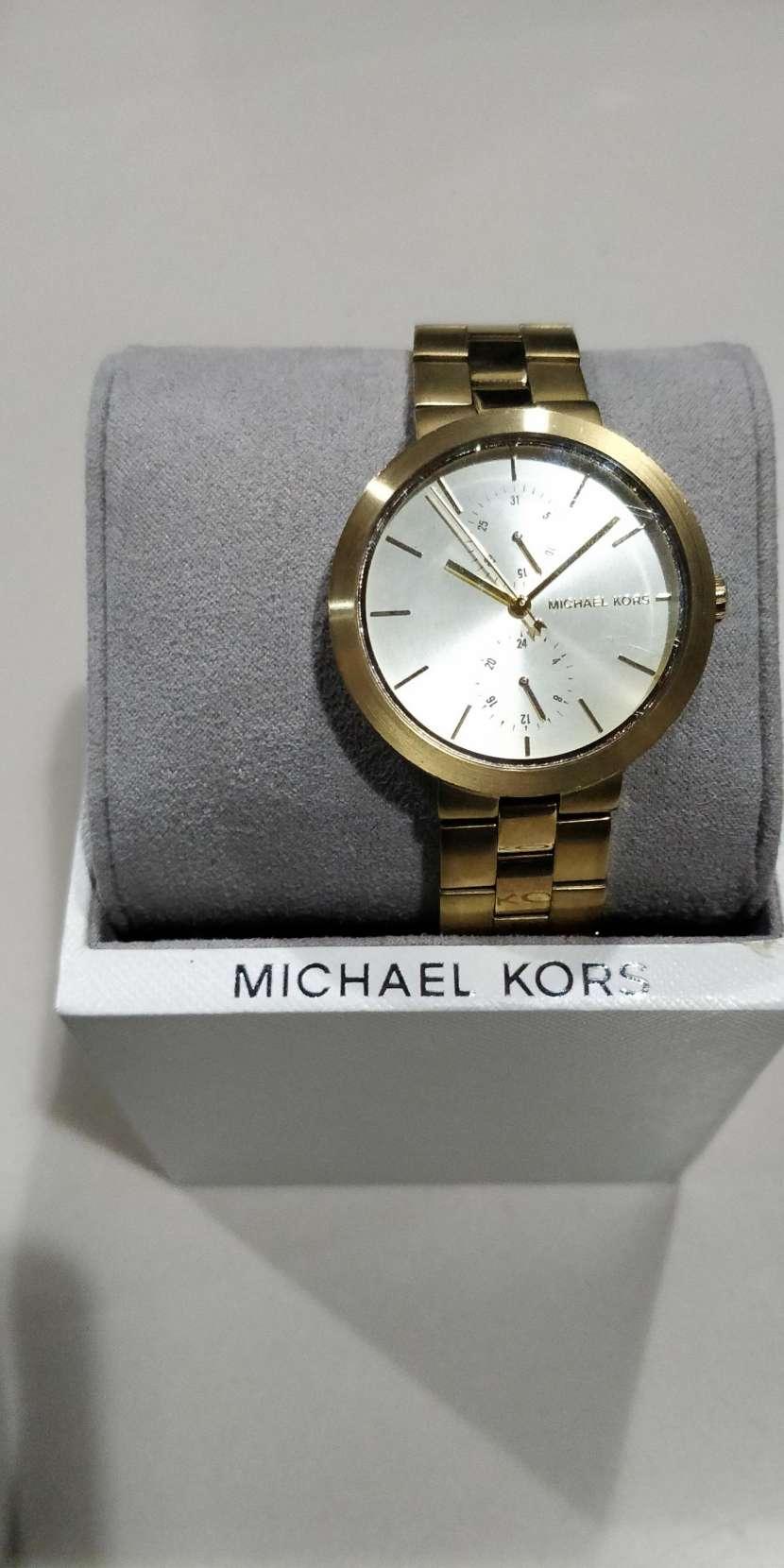 Reloj para dama Michael Kors - 1