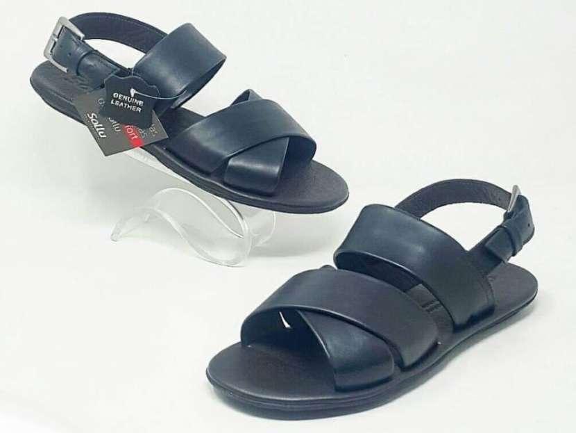 Sandalias y Zapatillas para Caballeros