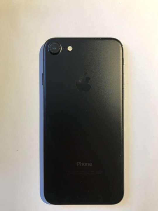 IPhone 7 desbloqueado 128 gb - 2