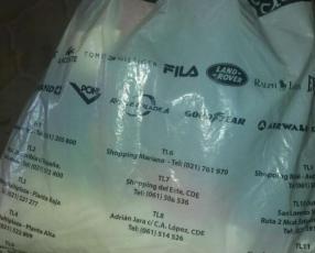 Bolsa de ropas usadas