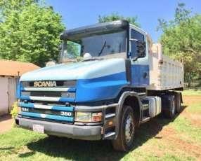 Tumba Scania doble patada