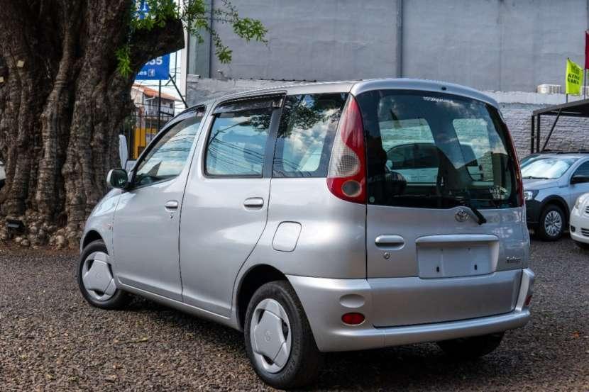 Toyota Funcargo - 0