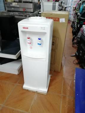 Bebedero eléctrico Kaede