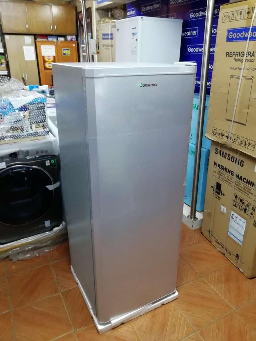 Congelador vertical Consumer 250 litros - 0