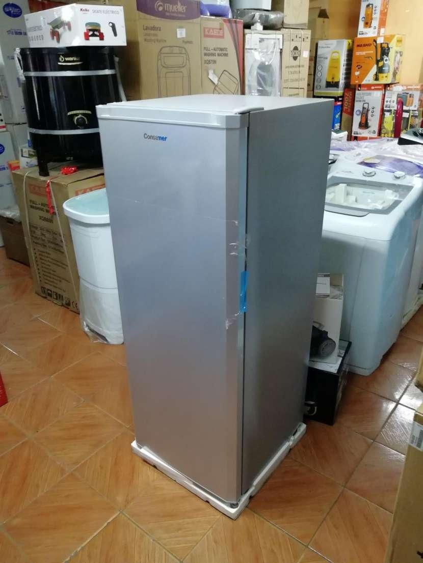 Congelador vertical Consumer 250 litros - 2