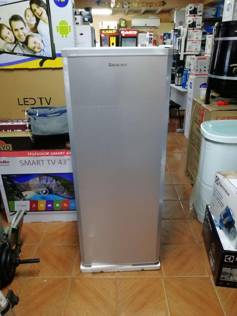 Congelador vertical Consumer 250 litros - 3