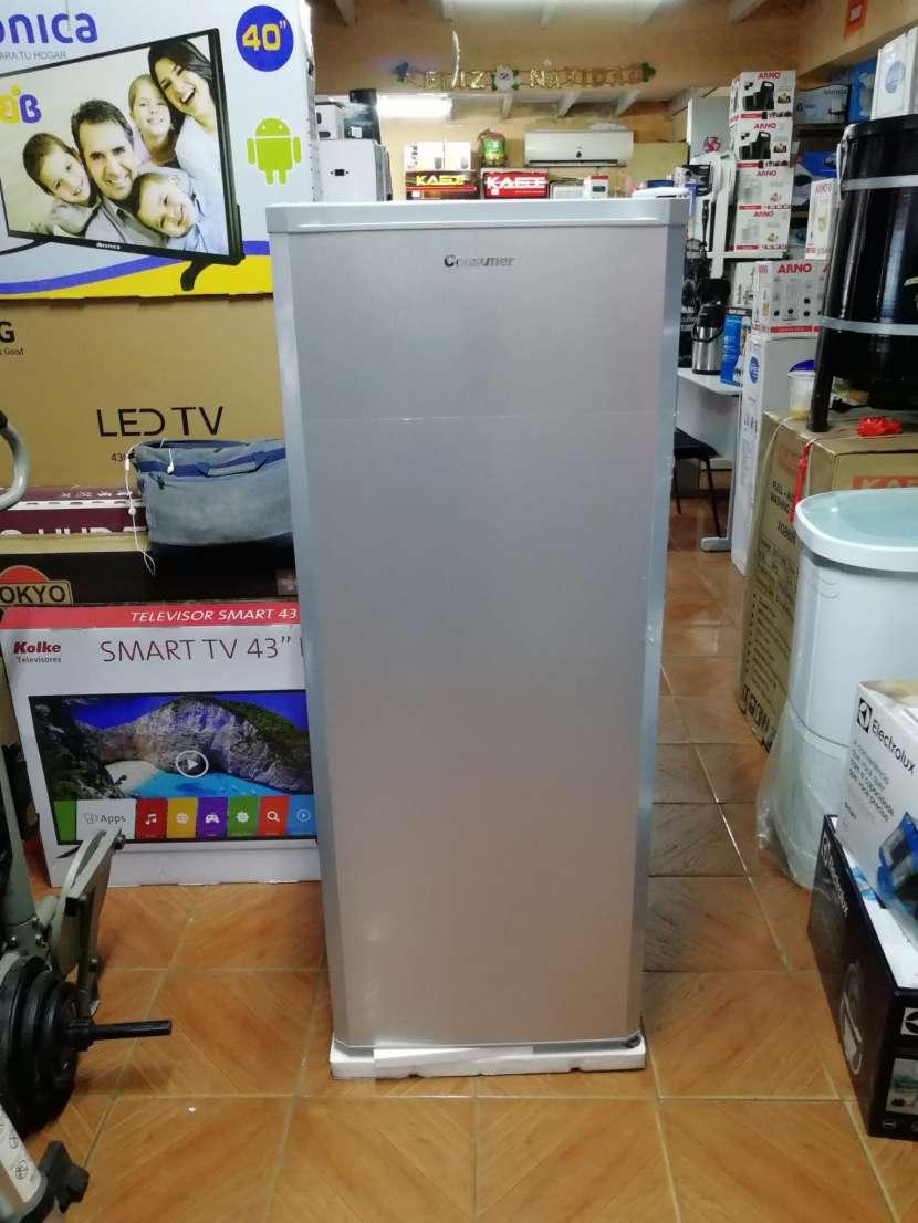 Congelador vertical Consumer 250 litros - 4