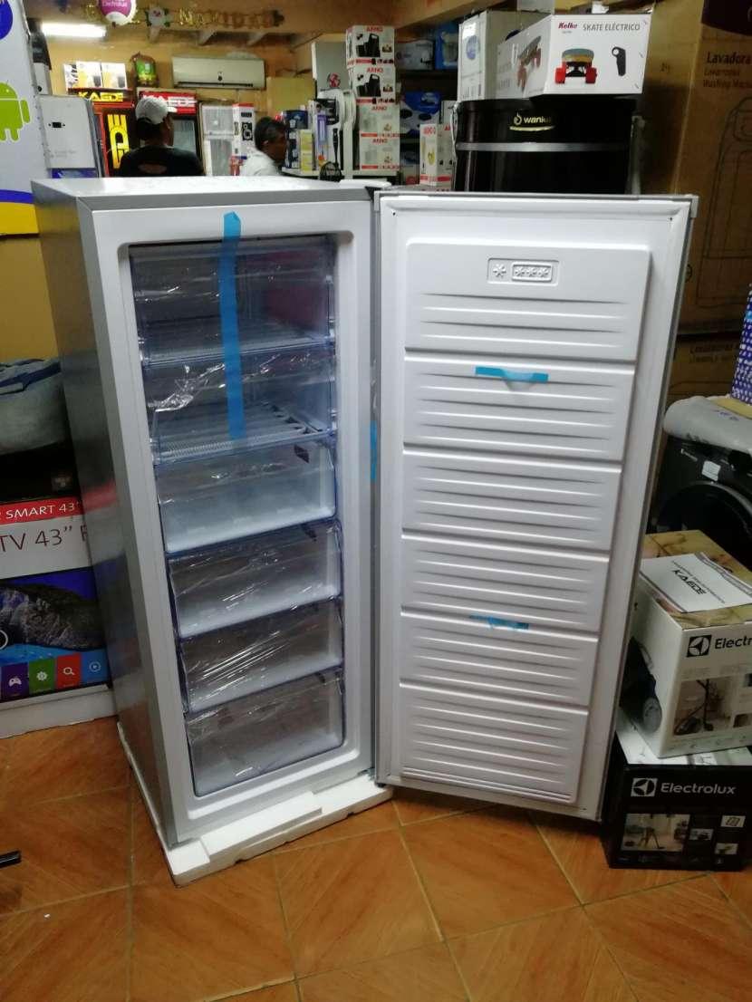 Congelador vertical Consumer 250 litros - 5