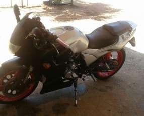 Moto Kenton Stratta 250 2007
