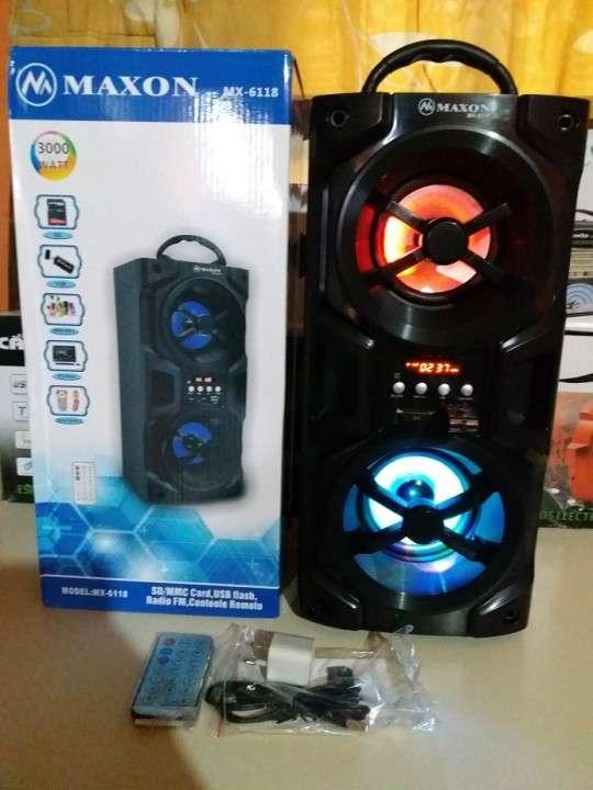 Parlante portátil Maxon MX-6118 doble con luces rítmicas - 3