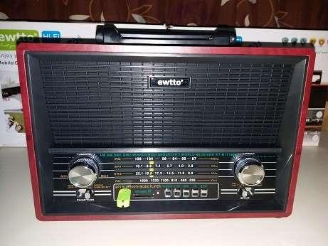 Radio tipo Victrola Retro Ewtto - 5
