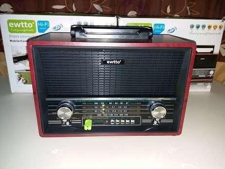 Radio tipo Victrola Retro Ewtto - 0