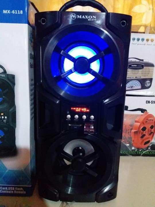 Parlante portátil Maxon MX-6118 doble con luces rítmicas - 5