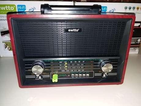 Radio tipo Victrola Retro Ewtto - 1