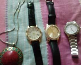 Relojes y cadena de plata y bronce